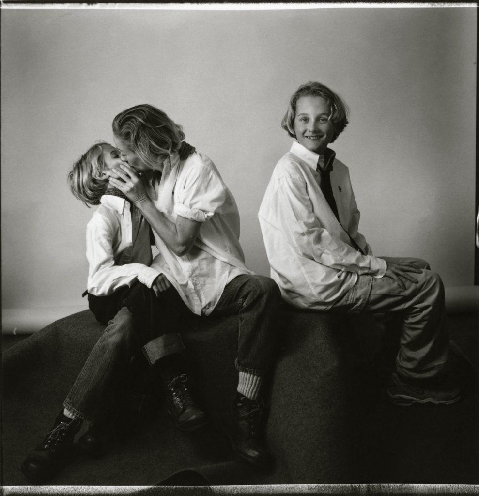 1998-35-6c Sabina e hijos